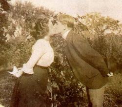 1899-kiss