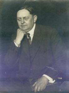 Oscar W. Underwood (Image from www.vernacularphotography.com)